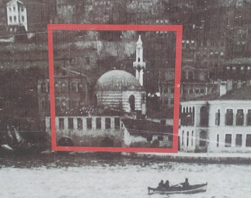 Tarihi camiyi restore ediyoruz dediler, lüks dükkan yaptılar! (2/3)