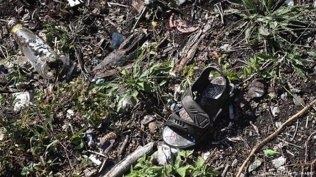 Öğrencilerin kaybolduğu bölgede bulunan bir sandalet