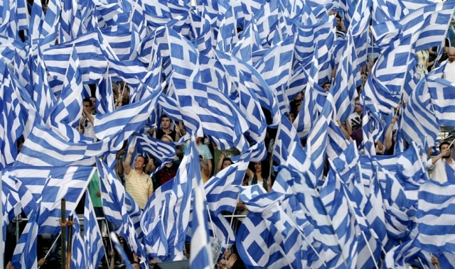 greek-flags-waving